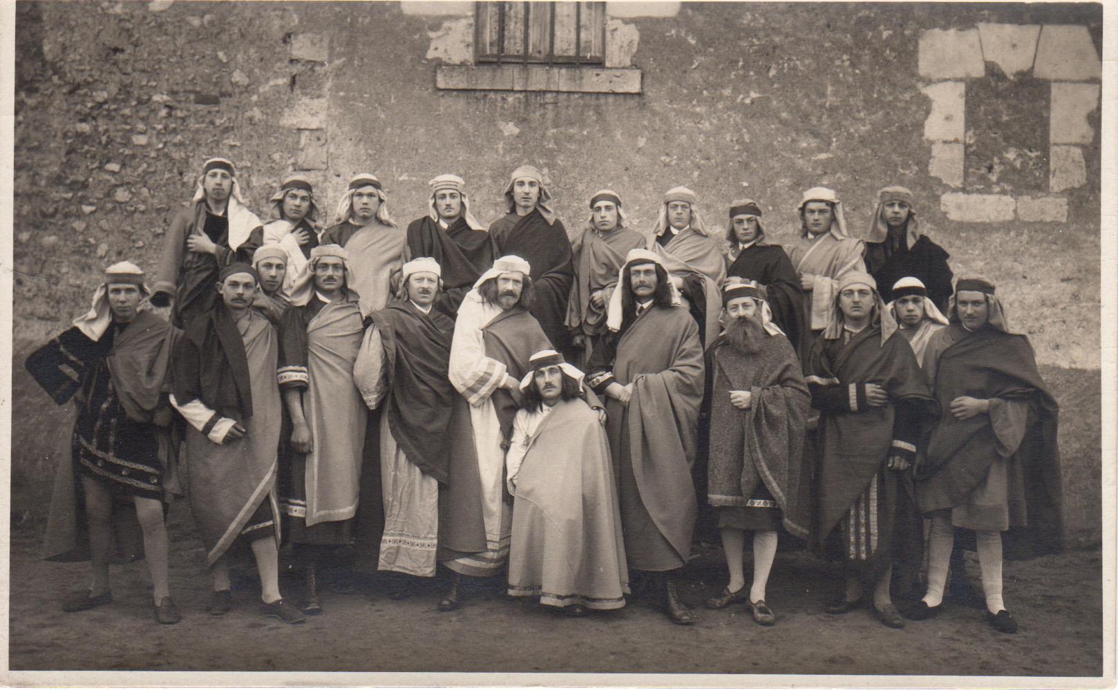 L'équipe de théatre de l'Etoile Saint Marc dans les années 30